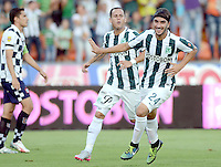 MEDELLÍN -COLOMBIA, 27-09-2015: Sebastian Perez (Der) jugador de Atlético Nacional celebra un gol anotado a Boyacá Chicó FC durante partido por la fecha 14 de la Liga Aguila I 2015 jugado en el estadio Atanasio Girardot de la ciudad de Medellín./ Sebastian Perez (R) player of Atletico Nacional  celebrates a goal scored to Boyaca Chico FC during the match for the  date 14 of the Aguila League I 2015 at Atanasio Girardot stadium in Medellin city. Photo: VizzorImage/León Monsalve/STR