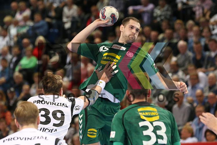 Kiel, 20.05.15, Sport, Handball, DKB Handball Bundesliga, Saison 2014/2015, THW Kiel - GWD Minden : Filip Jicha (THW Kiel, #39), Nenad Bilbija (GWD Minden, #45)<br /> <br /> Foto &copy; P-I-X.org *** Foto ist honorarpflichtig! *** Auf Anfrage in hoeherer Qualitaet/Aufloesung. Belegexemplar erbeten. Veroeffentlichung ausschliesslich fuer journalistisch-publizistische Zwecke. For editorial use only.