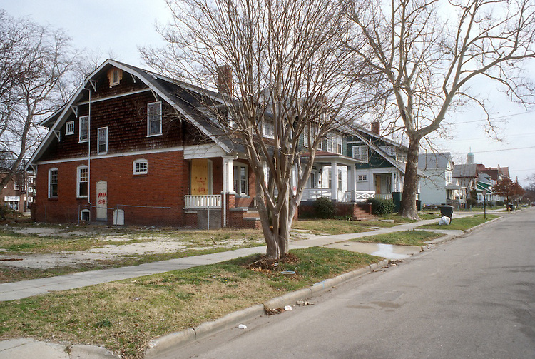1996 February 29..Conservation.Park Place.. 34TH STREET.NORTH SIDE.600 BLOCK...NEG#.NRHA#..