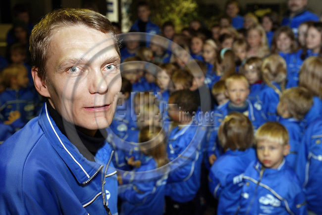 "BELGIUM, Brussels / 13 December 2002--Pekka ROTO is running the Finnish sports club, ""The Flying Finns"". He founded the club for children aged 3 -13 and now it has got 150 members..PHOTO: JUHA ROININEN"