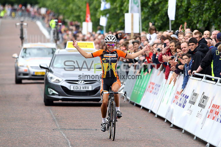 PICTURE BY ALEX WHITEHEAD/SWPIX.COM - Cycling - 2013 British Cycling National Road Race Championships - Glasgow, Scotland - 23/06/13 - Dolmans Boels' Lizzie Armitstead celebrates winning gold in the Women's race.