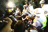 SÃO PAULO, SP - 22.02.2014 - MANIFESTAÇÃO CONTRA COPA- A manifestação Contra a Copa. Policiais fazem prisões no centro da cidade durante manifestação - FOTO: (Aloisio Mauricio / Brazil Photo Press)