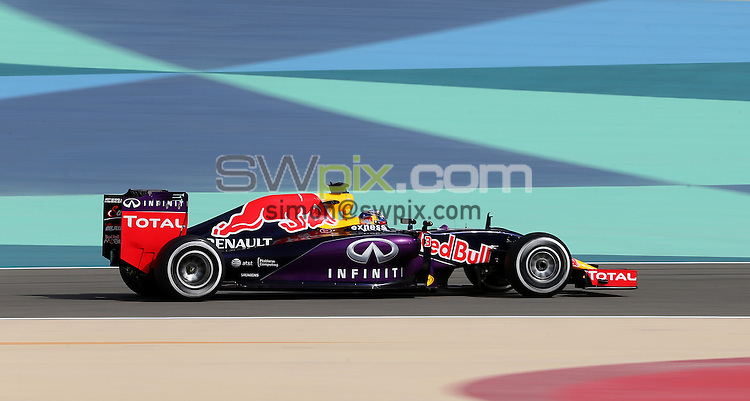 PICTURE BY MARK GREEN/SWPIX.COM - Formula 1, Bahrain International Circuit, 17-19th April 2015 <br /> Red Bull's Australian driver Daniel Ricciardo in 1st Practice for the Bahrain Grand Prix