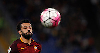 Calcio, Serie A: Roma vs Empoli. Roma, stadio Olimpico, 17 ottobre 2017.<br /> Roma&rsquo;s Mohamed Salah eyes the ball during the Italian Serie A football match between Roma and Empoli at Rome's Olympic stadium, 17 October 2015.<br /> UPDATE IMAGES PRESS/Isabella Bonotto