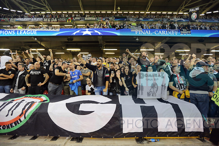 Juventus' fans during the Champions League Final match at the Principality Stadium, Cardiff. Picture date: June 3rd, 2017. Pic credit should read: David Klein/Sportimage