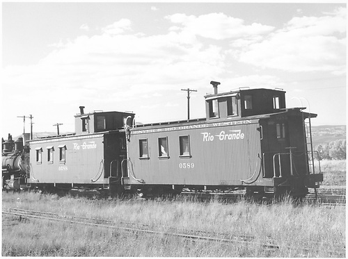 Cabooses #0589 and #0588.<br /> D&amp;RGW  Gunnison, CO  Taken by Richardson, Robert W. - 9/26/1952