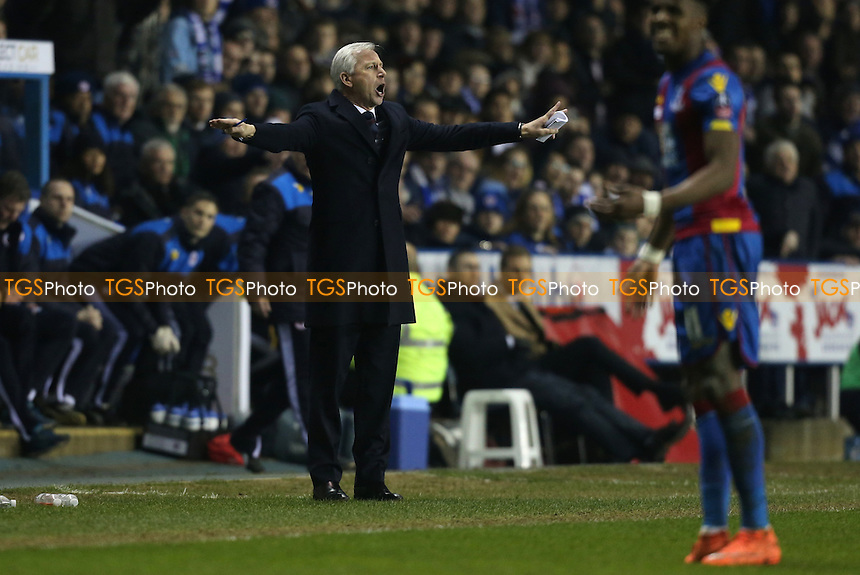 Crystal Palace manager Alan Pardew during Reading vs Crystal Palace, Emirates FA Cup Football at the Madejski Stadium, Reading