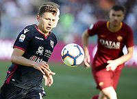 Football, Serie A: AS Roma - Cagliari, Olympic stadium, Rome, April 27, 2019. <br /> Cagliari's Nicol&ograve; Barella in action with during the Italian Serie A football match between AS Roma and Cagliari, on April 27, 2019. <br /> UPDATE IMAGES PRESS/Isabella Bonotto