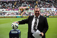 Pictured: Announcer and Caplain Kevin Johns. Saturday 23 August 2014<br />
