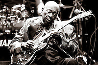 11/11/11 Los Angeles, CA: Blues Guitar Legend B.B. King performs at Cub Nokia at LA Live