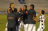 TUNJA - COLOMBIA -14-02-2014: Los jugadores de Boyaca Chico FC celebran el gol anotado durante partido por la fecha quinta de la Liga Postobón I 2014 realizado en el estadio La Independencia en la ciudad de Tunja. / The players of Boyaca Chico FC, celebrate a goal scored during match valid for the fifth date of Postobon League I 2014 at La Independencia stadium in Tunja city. Photo: VizzorImage/Jose Miguel Palencia/Str