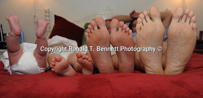 Family feet, Feet, many feet, toe's, eight feet, feet on a bed, many toe's, feet, toe,