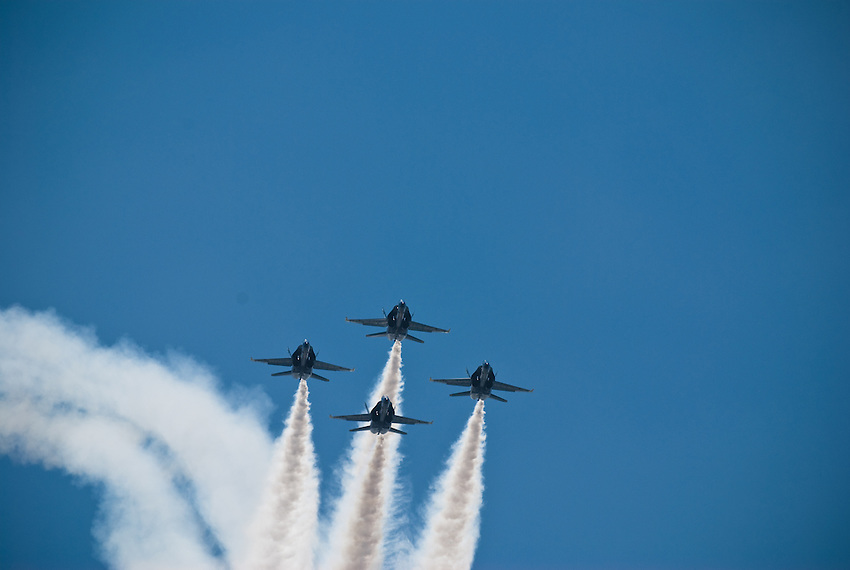 Blue Angels in formation over Lake Washington during Seafair 2007.