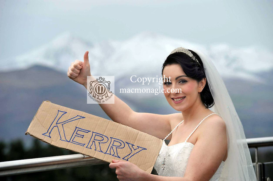 ?There's no place like home! Ex Pats still choose to come home to Ireland to get married. This is the latest finding from research carried out at WeddingsinKerry.com, Kerry's exclusive on-line wedding directory. Photo shows  Noreen O'Connor 'hitching' her way to Kerry where all good brides return for their wedding..Photo: Don MacMonagle..PR photo: contact: Mary Quille