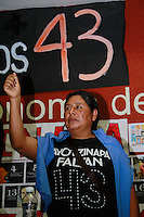 M&eacute;xico, DF.  Septiembre/2015. <br /> Una comisi&oacute;n de padres de los 43 Estudiantes de la Normal Rural &ldquo;Ra&uacute;l Isidro Burgos&rdquo; de Ayotzinapa Guerrero, encabezaron un dialogo con estudiantes de la Universidad Aut&oacute;noma de la Ciudad de M&eacute;xico (UACM), en donde estudiantes, personal docente y administrativo externaron su apoyo a los padres para las pr&oacute;xima jornada, a unos d&iacute;as de cumplirse un a&ntilde;o de la desaparici&oacute;n forzada de los 43 j&oacute;venes.