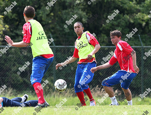 2010-06-14 / Voetbal / seizoen 2010-2011 / Eerste training R. Antwerp FC / Marvin Peersman (midden).Foto: mpics