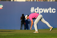 Rory McIlroy (NIR) on the 18th green during the final round of the DP World Tour Championship, Jumeirah Golf Estates, Dubai, United Arab Emirates. 24/11/2019<br /> Picture: Golffile | Fran Caffrey<br /> <br /> <br /> All photo usage must carry mandatory copyright credit (© Golffile | Fran Caffrey)