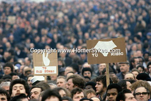"Factory workers against Union activist Derek ""Red Robbo"" Robinson Union Leader at British Leyland Longbridge car plant Birmingham. 1979 Derek Robinson was sacked, workers voted against a strike to support him."