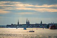 Gamla Stan skyline med vatten båtar i Stockholm