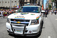 NEW YORK, EUA, 25.06.2017 - PARADA-NEW YORK - Policia de New York (NYPD) durante a Parada do Orgulho LGBT na cidade de New York nos Estados Unidos neste domingo, 25. (Foto: Vanessa Carvalho/Brazil Photo Press)