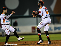 Domonic Brown (d) de los naranjeros festeja triunfo con Jorge Flores (i)<br /> Naranjeros gana 4 carreras por 3, durante juego de beisbol de la Liga Mexicana del Pacifico temporada 2017 2018. Tercer juego de la serie de playoffs entre Mayos de Navojoa vs Naranjeros. 04Enero2018. (Foto: Luis Gutierrez /NortePhoto.com)