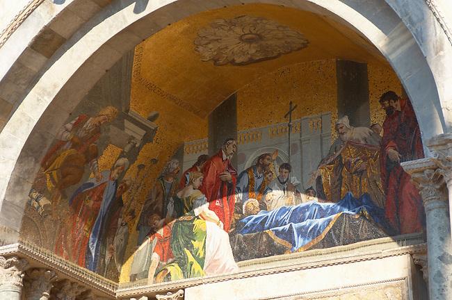 Mosaic on Saint Marks Basilica - Venerating St Marks's Body - Venice - Italy