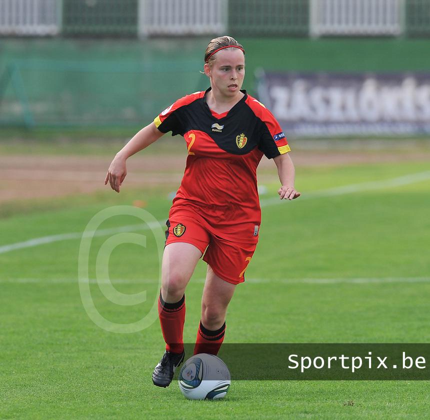 Hungary - Hongarije : UEFA Women's Euro Qualifying group stage (Group 3) - 20/06/2012 - 17:00 - szombathely  - : Hungary ( Hongarije ) - BELGIUM ( Belgie) :.Stefanie Van Broeck.foto DAVID CATRY / JOKE VUYLSTEKE / Vrouwenteam.be.