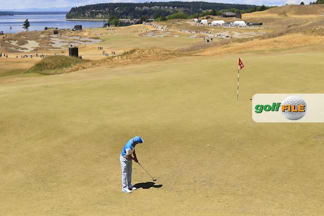 Rickie FOWLER (USA) putts on the 7th green during Friday's Round 2 of the 2015 U.S. Open 115th National Championship held at Chambers Bay, Seattle, Washington, USA. 6/19/2015.<br /> Picture: Golffile | Eoin Clarke<br /> <br /> <br /> <br /> <br /> All photo usage must carry mandatory copyright credit (&copy; Golffile | Eoin Clarke)