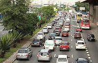 SAO PAULO, SP, 25 MARCO 2013 - TRANSITO EM SAO PAULO - Transito intenso na radial Leste sentido centro na regiao do Tatuape na zona leste da cidade nesta segunda 25. (FOTO: LEVY RIBEIRO / BRAZIL PHOTO PRESS)