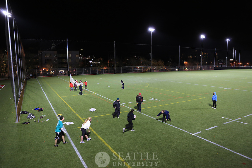 11062012-  Women's rugby and lacrosse teams at Seattle U Park