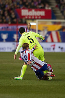 Atletico de Madrid´s Fernando Torres and Barcelona´s Sergio Busquets during 2014-15 Spanish King Cup match between Atletico de Madrid and Barcelona at Vicente Calderon stadium in Madrid, Spain. January 28, 2015. (ALTERPHOTOS/Luis Fernandez) /nortephoto.com<br />