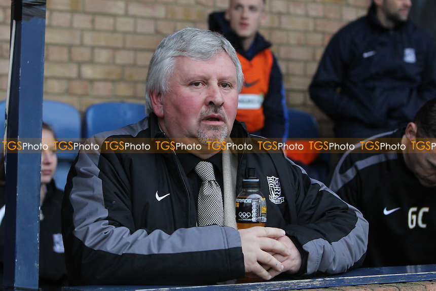 Southend United manager Paul Sturrock - Southend United vs Brentford - FA Challenge Cup 3rd Round Football at Roots Hall, Southend-on-Sea, Essex - 05/01/13 - MANDATORY CREDIT: Gavin Ellis/TGSPHOTO - Self billing applies where appropriate - 0845 094 6026 - contact@tgsphoto.co.uk - NO UNPAID USE.