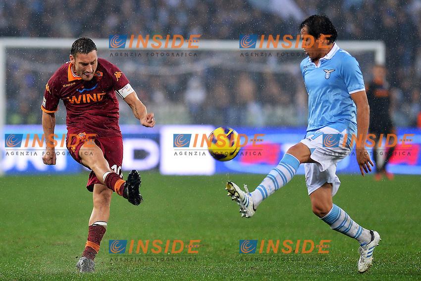 Francesco Totti Roma, Cristian Ledesma Lazio.Roma 11/11/2012 Stadio Olimpico.Football Calcio 2012/2013 Serie A.Lazio Vs Roma.Foto Insidefoto Andrea Staccioli