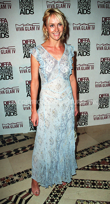 Unidentified guest arrives at the Viva Glam Casino to benefit Design Industries Foundation Fighting Aids at Cipriani 42nd Street in New York.  June 19, 2002. Please byline: Alecsey Boldeskul/NY Photo Press.   ..*PAY-PER-USE*      ....NY Photo Press:  ..phone (646) 267-6913;   ..e-mail: info@nyphotopress.com