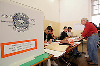 Elezioni Europee <br /> elettori votano per l'elezione del parlamento europeo