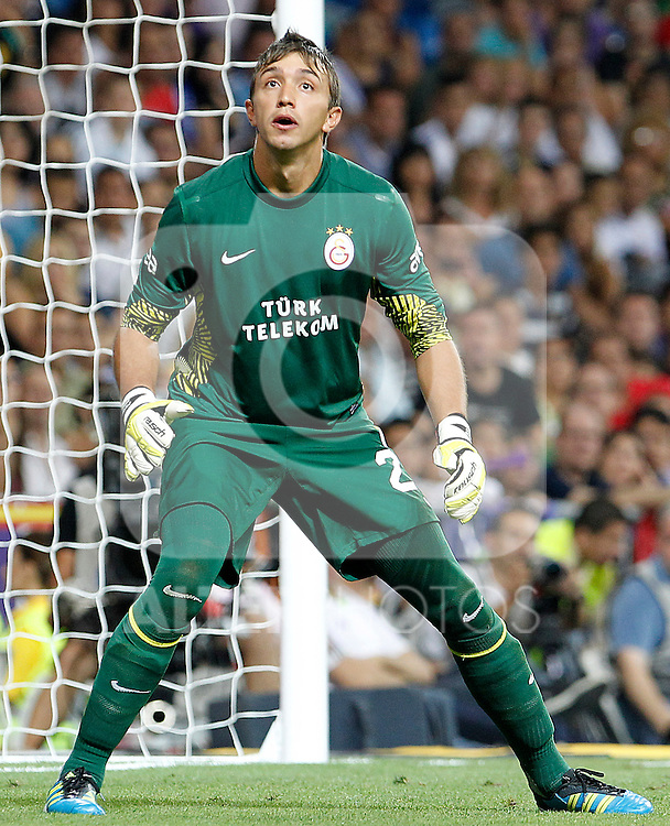 Galatasaray's Muslera during Santiago Bernabeu Trophy.August 24,2011. (ALTERPHOTOS/Acero)