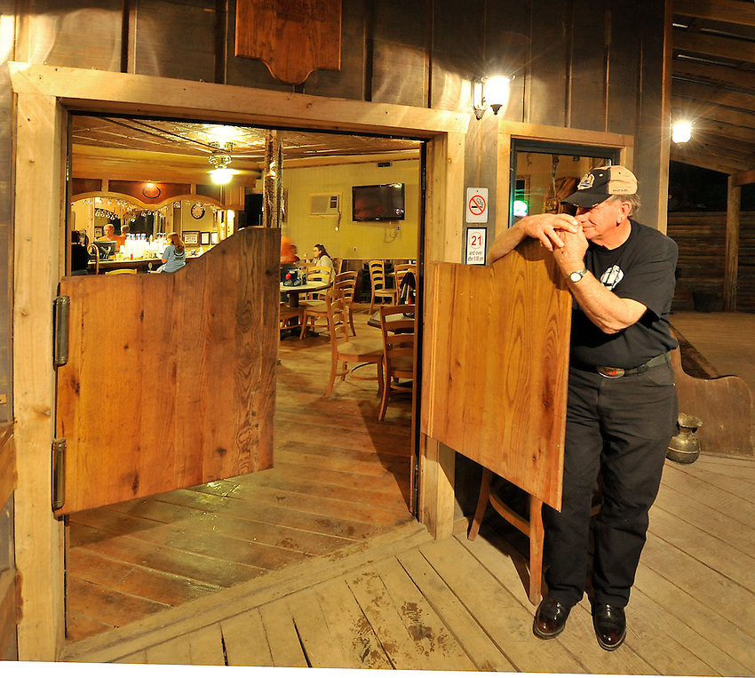 Rattlesnake Saloon near Tuscumbia, AL.  Entrance to saloon.  (The Huntsville Times/Bob Gathany Photographer)