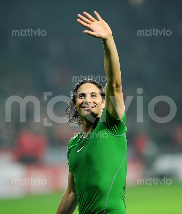 FUSSBALL   1. BUNDESLIGA   SAISON 2011/2012    12. SPIELTAG SV Werder Bremen - 1. FC Koeln                              05.11.2011 Claudio PIZARRO (SV Werder Bremen)