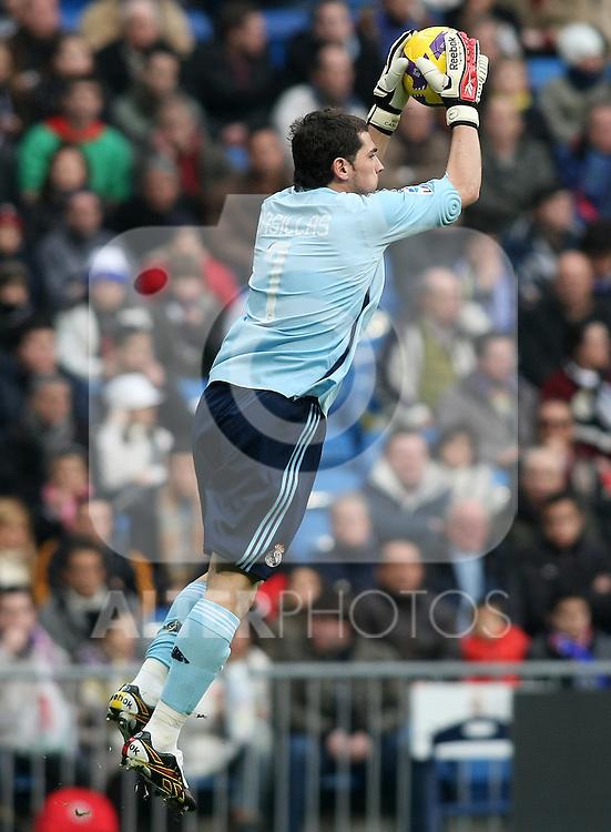 Real Madrid's Iker Casillas during La Liga match.January 18 2009. (ALTERPHOTOS/Acero).