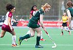 ALMERE - Hockey - Overgangsklasse competitie dames ALMERE- ROTTERDAM (0-0) .  Danielle van Rootselaar (R'dam) met links Leah Kraan (Almere).   COPYRIGHT KOEN SUYK