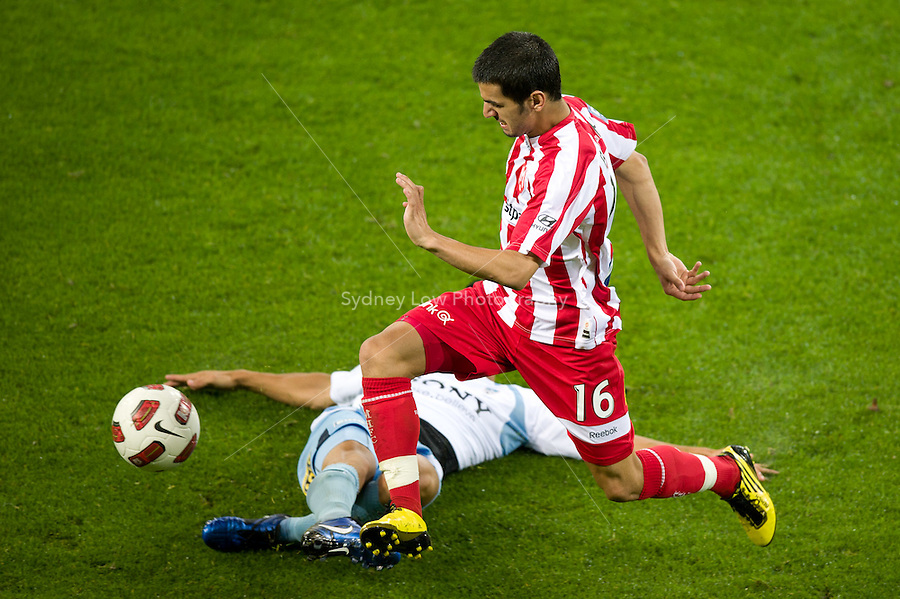 MELBOURNE, AUSTRALIA - NOVEMBER 27: Adrian Zahra of the Heart evades a tackle during the round 16 A-League match between the Melbourne Heart and Sydney FC at AAMI Park on November 27, 2010 in Melbourne, Australia. (Photo by Sydney Low / Asterisk Images)