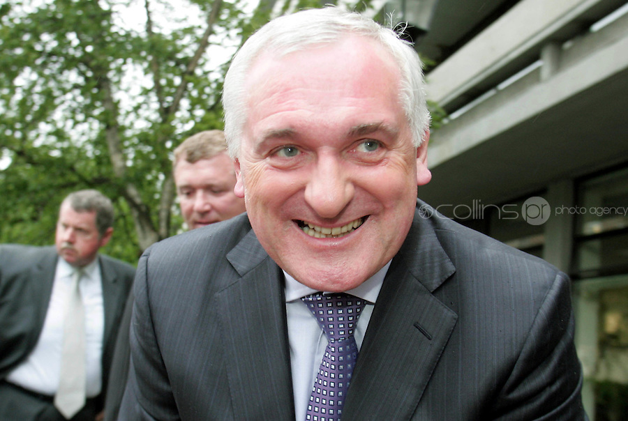 04/06/08.Bertie Ahern arriving at the Mahon Tribunal at Dublin Castle..Photo Stephen Collins/Collins