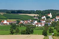 Germany, Lower Bavaria, hop-planting area Hallertau (Holledau), village Lindkirchen | Deutschland, Bayern, Niederbayern, Hopfenanbaugebiet Hallertau (Holledau), Pfarrdorf Lindkirchen