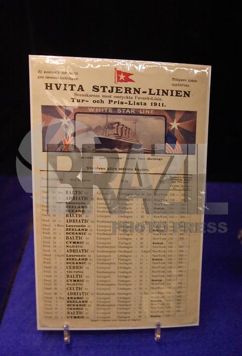 BARCELONA, ESPANHA, 14 DE ABRIL 2012 - A EXPOSICAO TITANIC - A Exposicao Titanic, que chegou ao Museu Maritimo de Barcelona na Espanha no ultimo dia 23 de marco e fica ate 30 de setembro e vista neste sabado dia 14 de abril, data que marca os 100 anos do naufragio do transatlantico. Entre esses objetos originais que podem ser encontrados nela incluir a lista de passageiros completa, aprovado e certificado pela White Star Line em 31 de maio de 1912 (o preservado apenas hoje), um pedaço de mais de 2 quilos de peso carvão do Titanic (parte da caldeira não. 1, que estava trabalhando até o último minuto), ou as duas cartas originais escritas pelo seu primeiro-oficial William Titanic Murdoch. Peças dos pratos de primeira classe, a lista original de corpos recuperados da tragédia, livros, cartas, fotografias, sapatos, bilhete ou cartão de embarque de navegação nunca antes mostrado, são outros fragmentos das histórias do Titanic entre onde os visitantes vão mergulhar durante a sua visita. (FOTO: VANESSA CARVALHO / BRAZIL PHOTO PRESS).