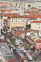 Europe/France/Provence-Alpes-Côte d'Azur/Alpes-Maritimes/Nice: Vue sur la Marché du Cours Saleya , depuis la Colline du Château: Lou Casteu //   Europe/France/Provence-Alpes-Côtes d'Azur/06/Alpes-Maritimes/Nice: View the Market Cours Saleya, from Castle Hill: Lou Casteu
