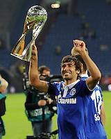 FUSSBALL   1. BUNDESLIGA   SAISON 2011/2012   SUPERCUP FC Schalke 04 - Borussia Dortmund            23.07.2011 RAUL (Schalke) jubelt mit dem Ligapokal