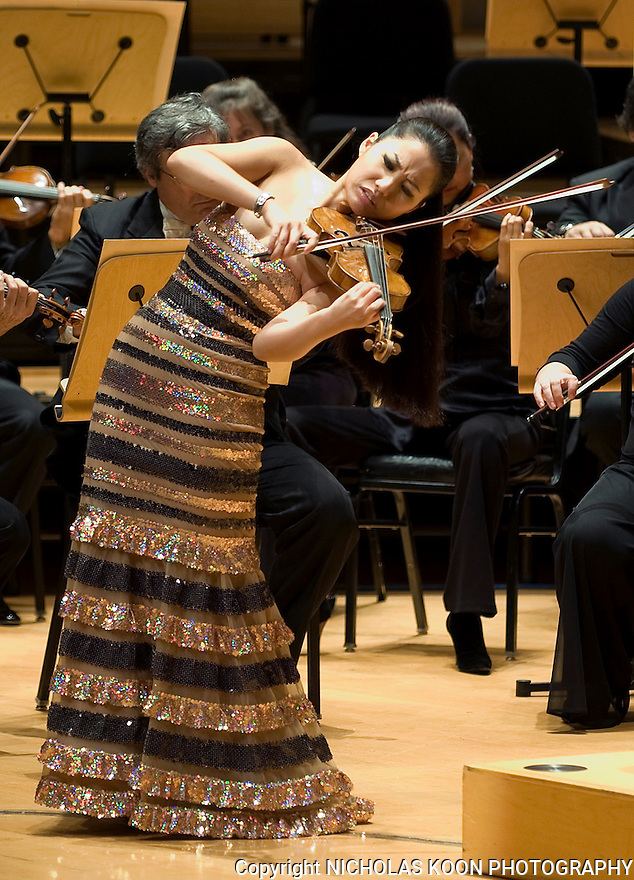 Violinist Sarah Chang performs Felix Mendelssohn's Concerto in E Minor for Violin and Orchestra (Op.64) on opening night for the Pacific Sympony at the Rene and Henry Segerstrom Concert Hall on Thursday evening.