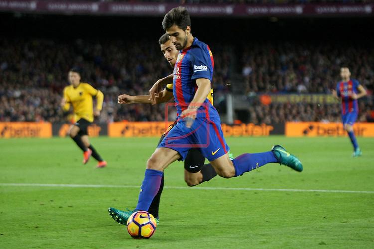 League Santander 2016/2017. Game: 12.<br /> FC Barcelona vs Malaga CF: 0-0.<br /> Andre Gomes vs Luis.