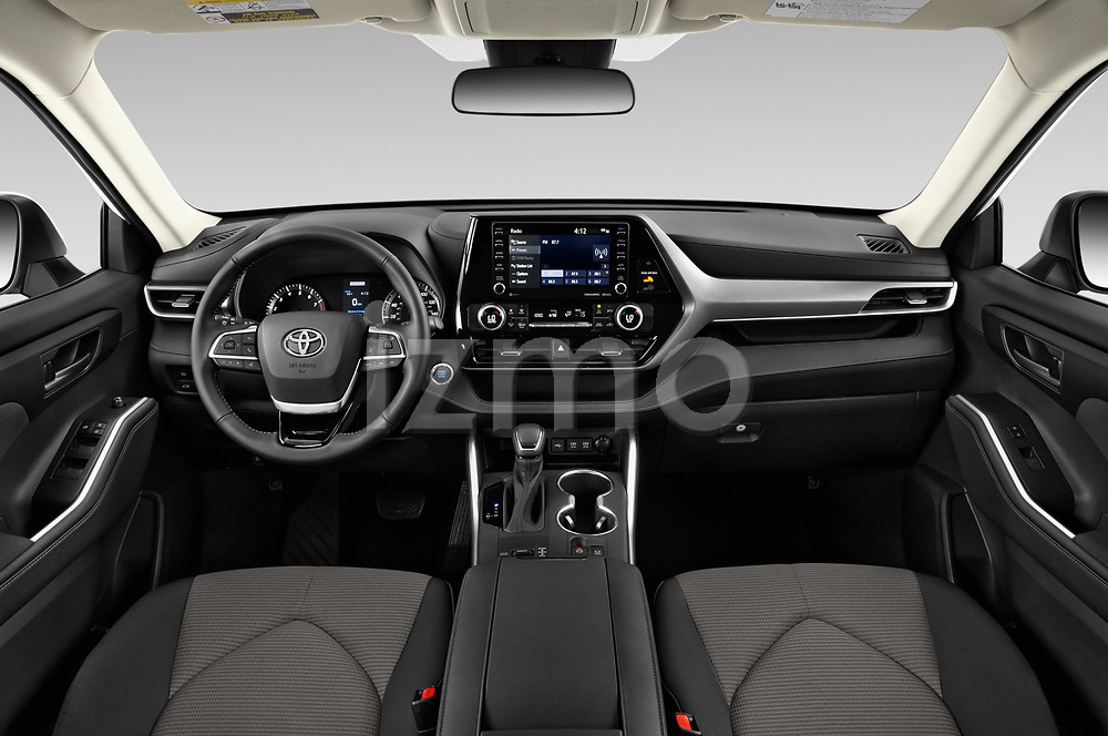 Stock photo of straight dashboard view of a 2020 Toyota Highlander LE 5 Door SUV