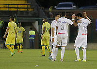 BUCARAMANGA-COLOMBIA-10-04-2016. Jugadores del Once Caldas celebran después de anotar un gol a Atlético Bucaramanga durante partido por la fecha 12 de la Liga Águila I 2016 jugado en el estadio Alfonso López de la ciudad de Bucaramanga./ Players of Once Caldas celebrate after scoring a goal to Atletico Bucaramanga during match for the date 12 of the Aguila League I 2016 played at Alfonso Lopez stadium in Bucaramanga city. Photo: VizzorImage / Duncan Bustamante / Cont